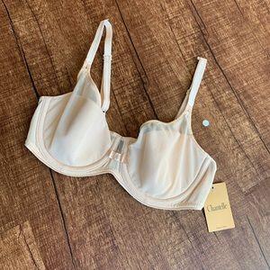 Chantelle size 32C luxury bra